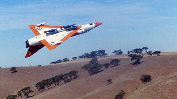 Australian Aviation and Dassault Falcon launch photo competition https://t.co/XCetmajHM6 https://t.co/bLPnU9ELwh