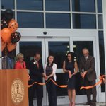 The moment of truth! The ribbon cutting at the #KZooFitness and Wellness Center dedication! https://t.co/3Qb8MapQCj