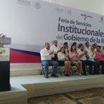 Se lleva a cabo la Feria de Servicios Institucionales del @gobmx en la explanada del Ayuntamiento @OficialCentro https://t.co/5ViY8aczjD
