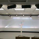 La sala de prensa de Ferraz cambia de decoración en menos de dos días y vuelve a su aspecto anterior. https://t.co/mYsjqCGjRO