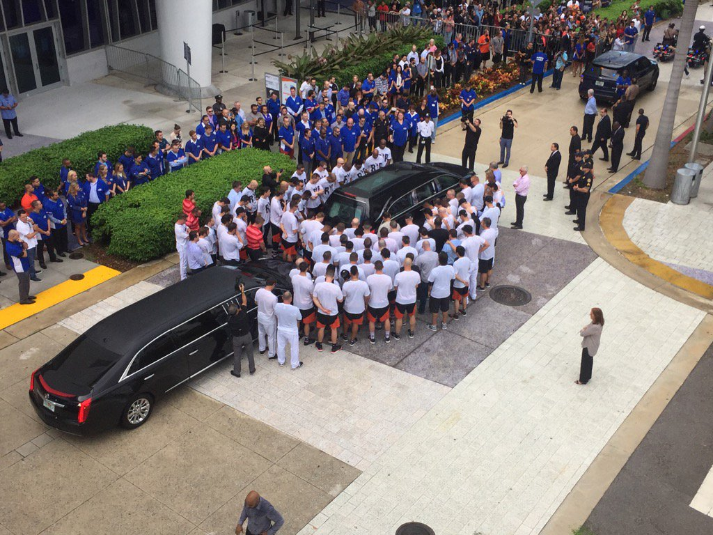 Marlins players surrounding the hearse. https://t.co/xWjl8fQQFh