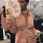 Rihanna at the #ParisFashionWeek #FENTYxPUMA https://t.co/dAPP5MyxvC