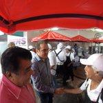El Alcalde Cuauhtémoc Blanco Bravo, entregó el día de hoy veinte carritos dispensadores de alimentos a igual número de comerciantes. https://t.co/0juIG8CVQc