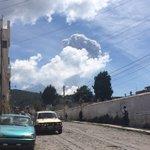 Gran expulsión de ceniza de #VolcánSantiaguito #Quetzaltenango @stereo100xela https://t.co/KTZKPmPQZ6