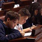 Adolescente sirio que concurre al Liceo 32 tomó la palabra en el Parlamento uruguayo https://t.co/oo8A3Hlm50 https://t.co/yuXnTXHk2D