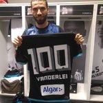 Nesse #SANxINT de hoje, o goleiro Vanderlei completa 100 jogos com o manto sagrado! https://t.co/ZoqN7Skeha