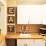 DIY Kitchen Décor: EAT Boards https://t.co/AD2sG0tbg4 @ADayinLifeToo https://t.co/abeeIJs181