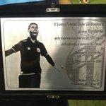 A placa de 100 jogos do goleiro Vanderlei! #SANxINT https://t.co/vNHC4lpGOC
