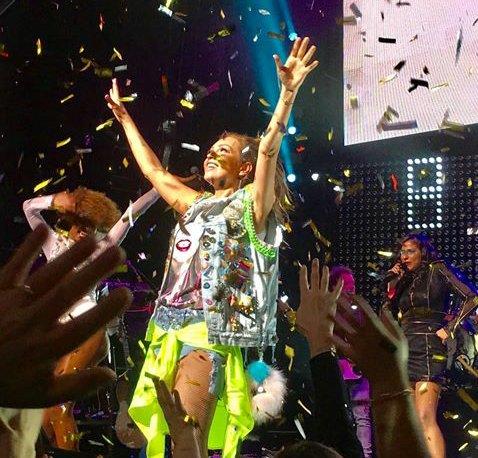 Con éxito rotundo termina el segundo concierto de #LatinaLoveTour en NY. https://t.co/qZZTll9WTq