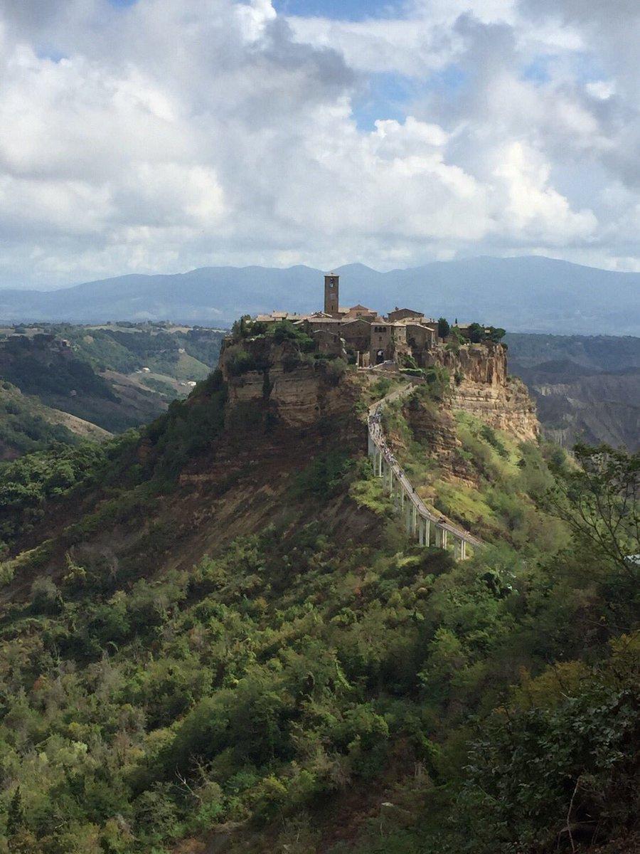 イタリアの小さな村チヴィタ・ディ・バニョレージョ<Civita di Bagnoregio>ローマからおよそ