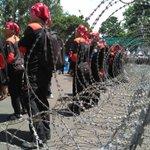 Ratusan Buruh Tiba di Istana, Jl Medan Merdeka Barat Ditutup https://t.co/Pvwtdlf9fx https://t.co/BOSmJkcAxZ