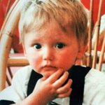Search team dig around tree close to spot Ben Needham was last seen alive... https://t.co/STNHAE4xsE https://t.co/wwwZnf0Gqk