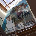 Een enorme banier (10x15 meter) voor #almatadema in het museum! Hij is prachtig geworden @HaanReclamewerk! https://t.co/F5aQiQ5e8F