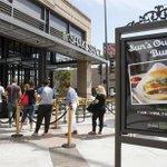 Shake Shack opens its second California location in Glendale https://t.co/BR97cH7JN9 https://t.co/FyIYtE2Q0D