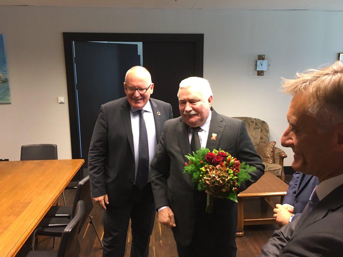 Spotkanie i rozmowa o Europie w dniu urodzin Lecha Wałęsy - @PresidentWalesa. #Gdańsk #Wałęsa #ECS https://t.co/pb0KVVQrBs