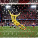 Atlético No1 Jan Oblak has kept 6 consecutive clean sheets at the Vicente Calderón in the #UCL. 💪 https://t.co/0aBOI1ZgG7