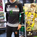 """The @chorleyfc players are """"heading-in"""" now, come down to the store to get your copy of #FIFA17 signed! https://t.co/v09dqfbHGB"""