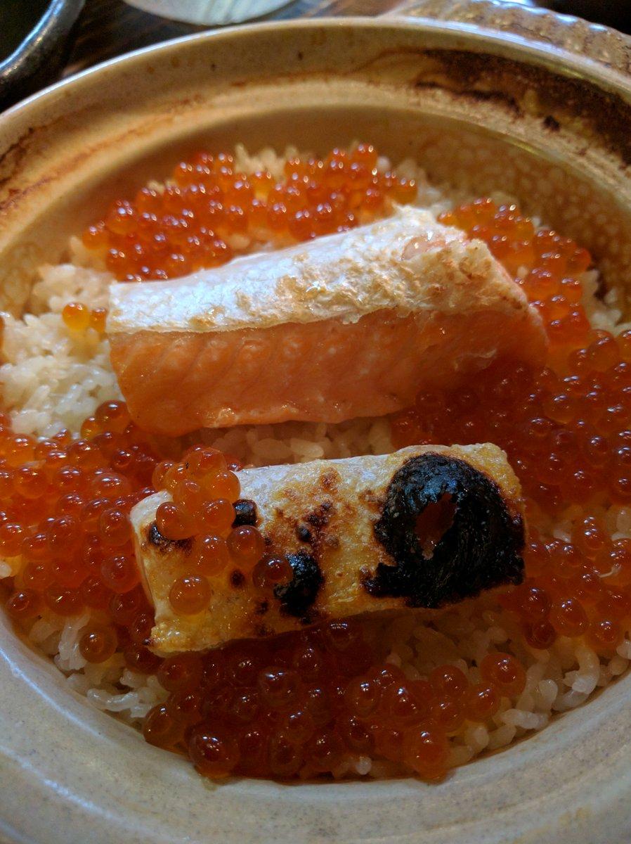 何食べてもおいしかった。写真は鮭ハラスといくらの土鍋めし (@ 米心 in Shibuya, Tōkyō-to) https://t.co/S6ioQPKV0s https://t.co/39aAIx6NvR