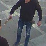 Mariborski policisti iščejo neznanega moškega zaradi poskusa velike tatvine na Glavnem trgu v Mariboru. https://t.co/vU7y94EWrf