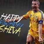 Da bambino ti ammiravo in televisione, sono cresciuto con il tuo mito...buon compleanno idolo! #Sheva #40 @jksheva7 https://t.co/Qiq4uxyEIM
