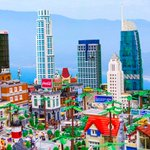 This massive Lego version of Los Angeles is insanity: https://t.co/KNoGYuhXjk https://t.co/Z12AThqs5S