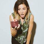 Bowl Shock, as experienced by @gabidipace 🍓😯 . . . 📷 @jeremycowart . . . #eatacai #bowlsho… https://t.co/PlFGYMZ6TD https://t.co/zdBsP4JXHG