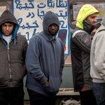 """Flüchtlinge in Frankreich: """"Ich habe Angst. Wenn ich die Kinder zur Schule bringe"""" https://t.co/IoU5ynHdyn https://t.co/189z7DlMtP"""
