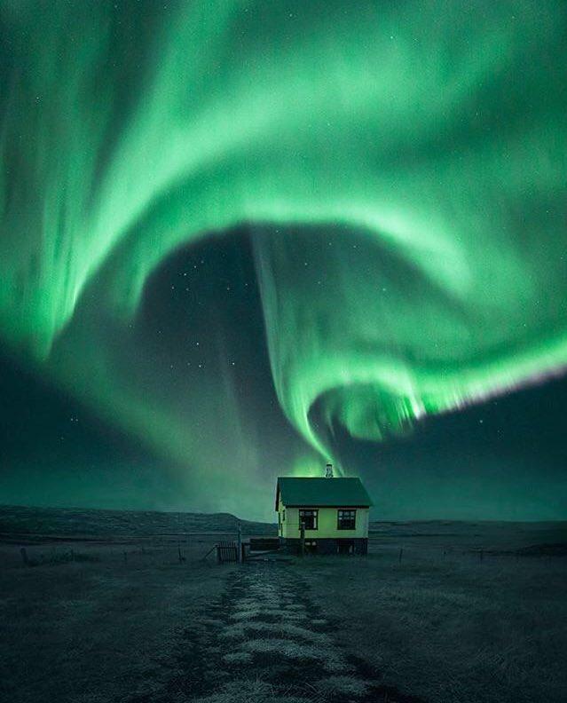 İzlanda'da kuzey ışıkları. https://t.co/bhlKMxb45k