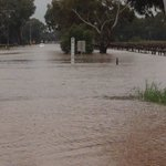 Car stuck in flood waters outside Nuriootpa. No one inside. Waters are rising @abcnews #SAStorms https://t.co/nCjYssqtNt