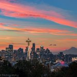 Todays amazing sunrise from Kerry Park! Well done, #Seattle! :) #komoloz https://t.co/0a0802EW2t
