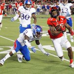 Mahomes leaves with injury as Texas Tech turns back Kansas, 55-19 https://t.co/oAduJ9ULl0 https://t.co/pUgHzF8STM