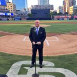 Its @Mudcat55 kicking off tonights pregame ceremony for @Deohmy 🎙 https://t.co/GaregHvyiv