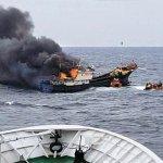 【検問に抵抗】韓国海警、中国漁船に閃光弾…火災で中国船員3人が死亡 https://t.co/JE8cqAypRO 煙で窒息死したとみられる。漁船は韓国側の排他的経済水域で違法操業をしており、取り締まりを避けて逃げていたという。 https://t.co/bCmYQidpHB