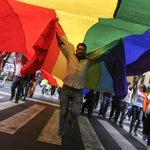  ONU_es condena expresiones de odio por bodas gay en #México https://t.co/Q416msT3BG https://t.co/ljHMBYbEeZ