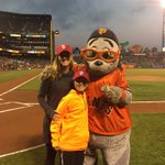 On @SantaClaraUniv night at @ATTParkSF, Brandi Chastain and son Jaden Smith are at the game 👋 #SFGiants https://t.co/X6OozdjhdR