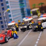 This #Lego replica of #LA wouldnt be authentic if it didnt include a car chase... https://t.co/jdFINn8hz4 https://t.co/9FYTG14HIy