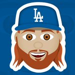 .@redturn2 scores from third on a wild pitch! #Dodgers now LEAD, 3-2! 👏 https://t.co/t1Y3FlMEWg