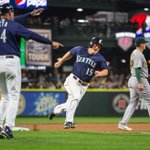 #Mariners hold on to 3-2 victory over Oakland, hold on in wild-card race at 2 games back: https://t.co/ILqEgOYY9D https://t.co/cc80v01PgA