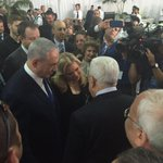 #BREAKING: #Netanyahu and #Abbas shaking hands in #PeresFuneral https://t.co/dcuHtJHqsR