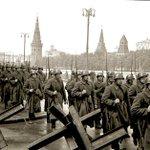 Ровно 75 лет назад началось одно из ключевых сражений во Второй мировой - Битва за Москву! https://t.co/s3jogmTfo2
