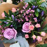 Who would you like to #win this bouquet for? Simply RT & Follow! #flowersireland #competition #giveaway #FridayFeeling #FreebieFriday https://t.co/RcH1w10Ayx