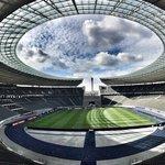 Gemäht, gekreidet & sowas von ready für #BSCHSV!!! 💪⚽️🎉 #OlympiastadionBerlin https://t.co/ivALNDivcS