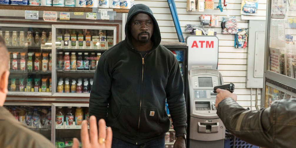 #LukeCage star says his new show 'has no agenda,' but there is this nod to #BlackLivesMatter https://t.co/PQrfG02kff https://t.co/KeNwUQpFrD