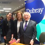 We were absolutely delighted to meet President Michael D. Higgins in @DubrayBooks today https://t.co/qnEVrUi1yD