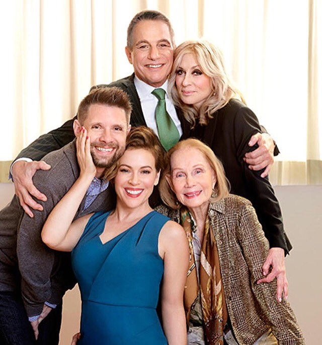 Thanks @EW for the great photos! I love these people very much! #reunited https://t.co/AWWwRG4RhI