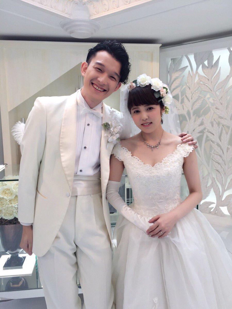 この度、私、江成仙一と胡堂小梅さんは結婚することと相成りました!? これからも温かく見守って頂けますと嬉しいです。 10月1日 江成仙一・胡堂小梅  #デカレンジャー https://t.co/bXpqUkf5ER