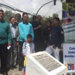 Familiares de Juan Pablo Bolaños una de las víctimas del #30s en el sitio en donde murió el estudiante. https://t.co/zD2fqeXHZH
