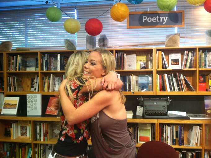 Kendra Wilkinson @KendraWilkinson: RT @LorinSisco: On my time hop today, 4 years ago today I met @KendraWilkinson !