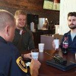 Impromptu #CoffeeWithaCop w/ @robpatfoss & @JackyWestside. @UWEC_POLICE 602 treating us to some caffeine. #poltwt https://t.co/QohVYl6gWz