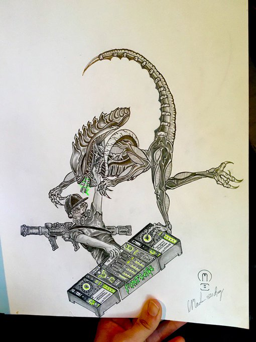 Very pleased with this latest Alien doodle. He just wants to trade Kandi 😂 @FuntCaseUK https://t.co/
